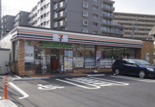 セブンイレブン 入間豊岡東店まで、約359m