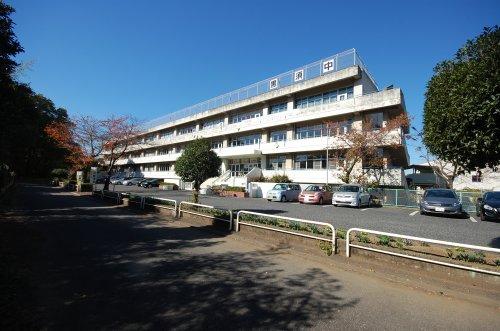 市立黒須中学校まで、約290m