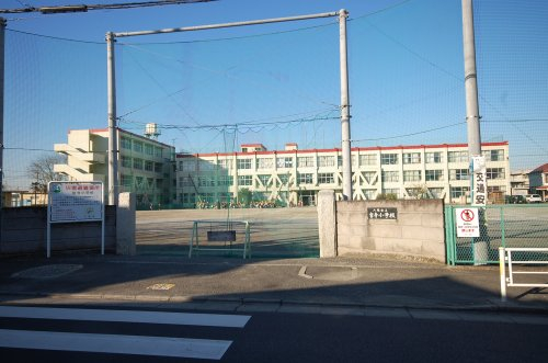 宮寺小学校まで、約485m