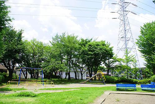 狭山台4号公園まで、約2012m