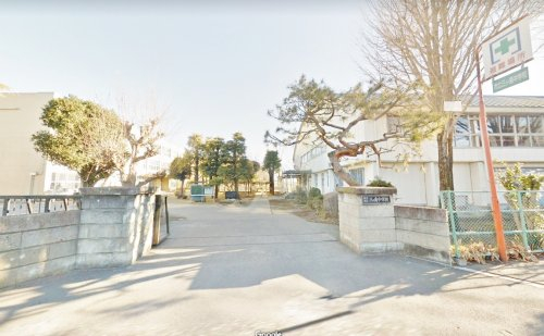市立三ケ島中学校まで、約1964m