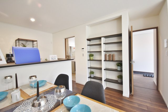 SAN+同仕様施工例、スタンダード28.5坪標準で価格1550万円、高性能ZEH基準クリア住宅、モデルハウス見学可能