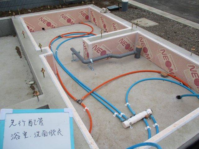 ヘッダー方式給水を採用しているため、メンテナンスが容易に。さらに水量も安定するメリットがあります。